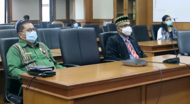 Sekretaris Daerah Ikuti Pelantikan Anggota Komisaris Independen Dan Dirut PT. BPD Kaltimtara.